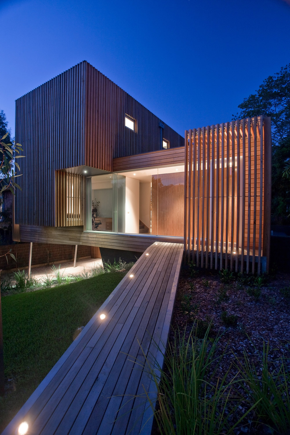 Kew house 3 vibe design group legnoarchitettura - Pilastri portanti incassati in una parete ...